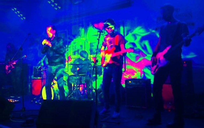 The Love Barons Live