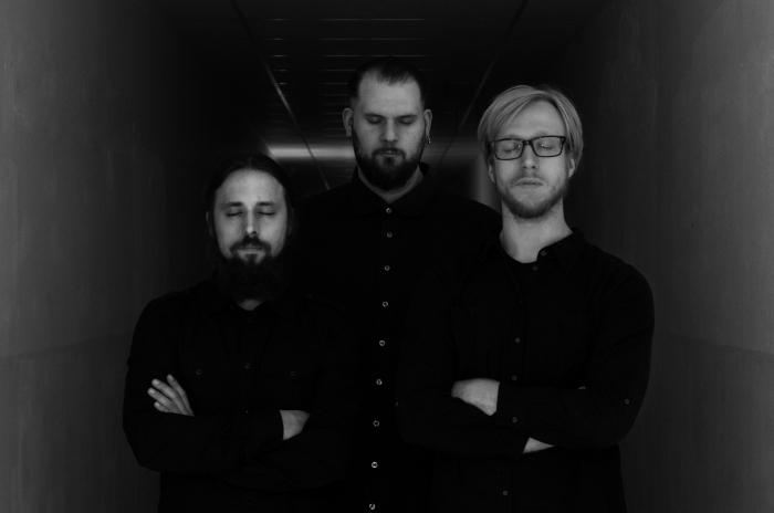 Twinesunsbandpic_RingMaster Review
